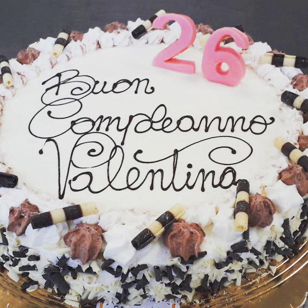 torta di compleanno classica pavia