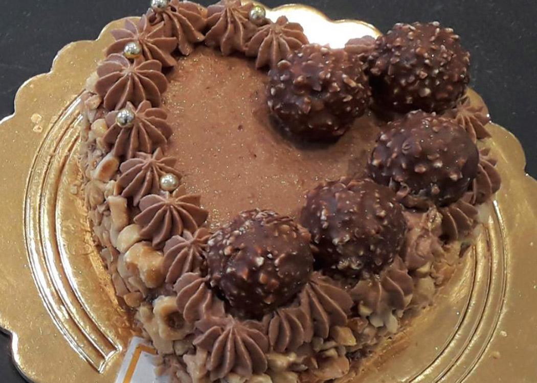 torta a cuore san valentino - pasticceria pavia consegna a domicilio